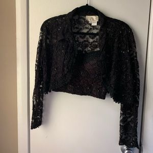 2p Cache jacket size Small bra size Medium